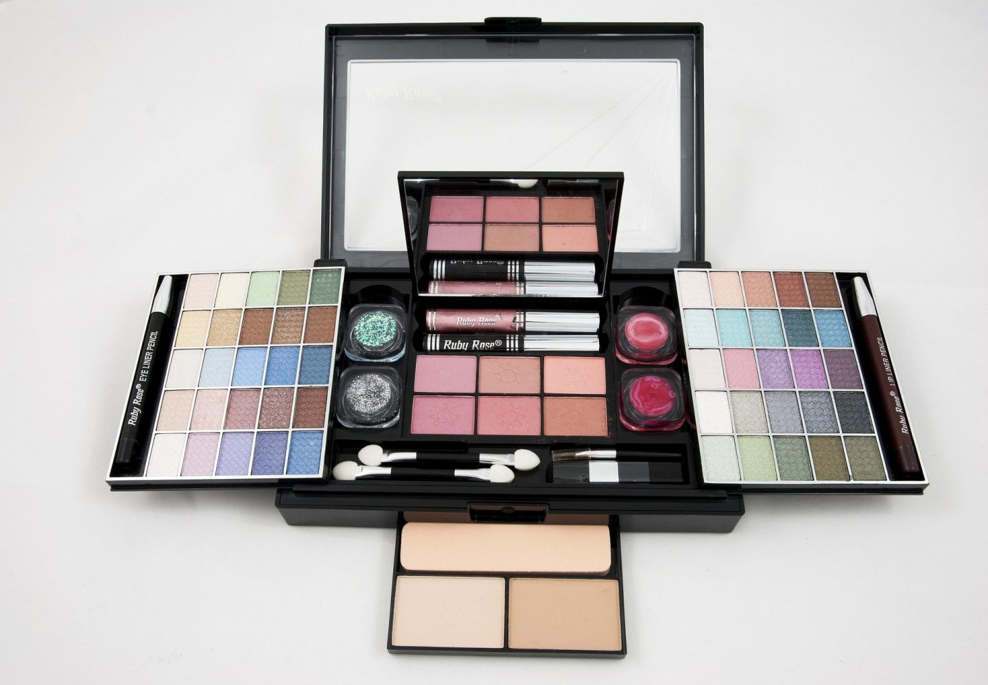 eye-shadows and blush in multi-storage makeup organizer kit