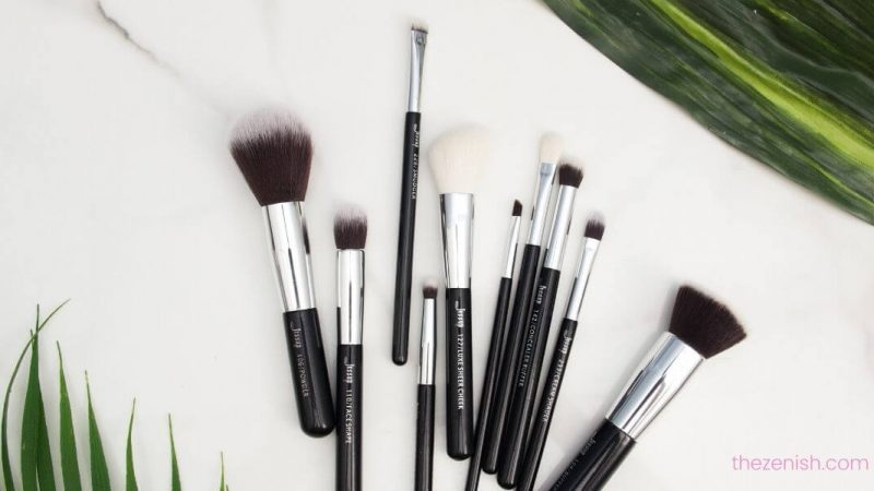 12 Types of Makeup Brushes and Their Uses